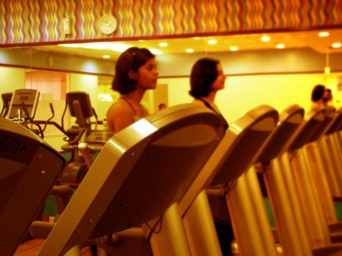 Беговая дорожка: как выбрать правильный тренажер