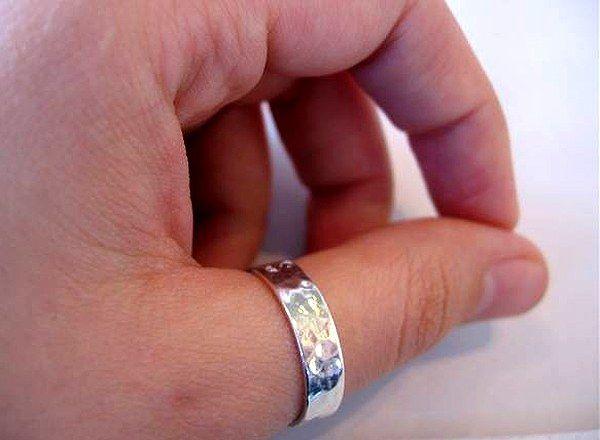Кольцо - символ бесконечности, богатства и власти!