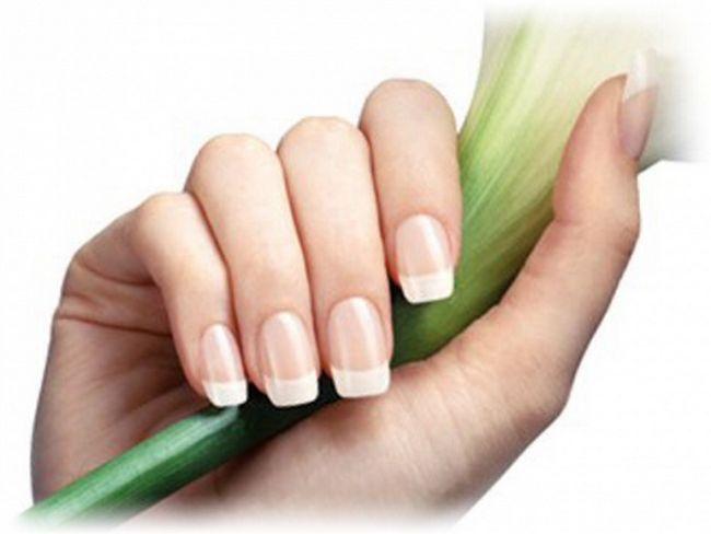 Натуральные ногти смотрятся красиво