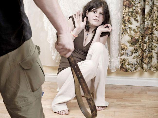 Домашнее насилие: смириться или уйти