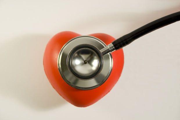 Как делать массаж сердца