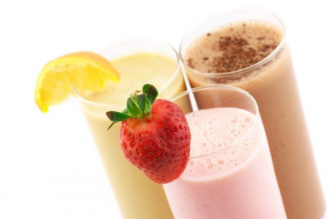 Как делать молочный коктейль