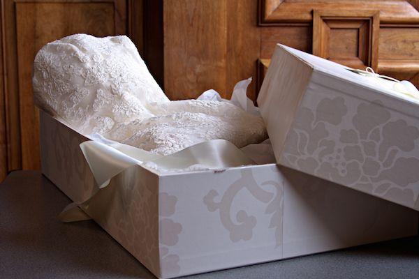Как хранить свадебное платье