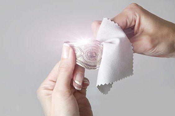 Как и чем чистить золото и серебро в домашних условиях