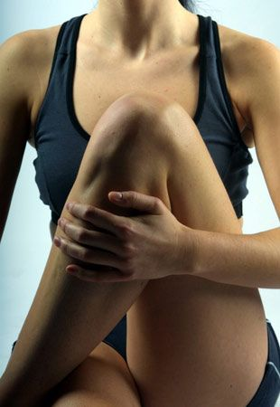 Как исправить кривые ноги без операции