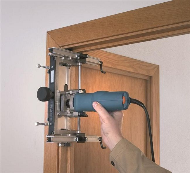 Как избавиться от скрипа дверей