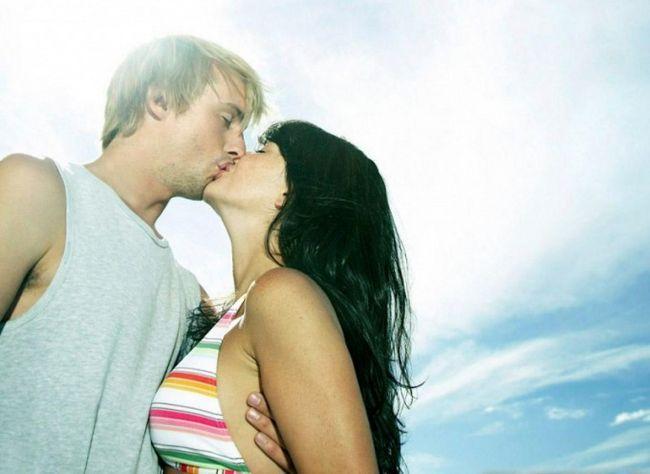 Как на свидании поцеловать девушку