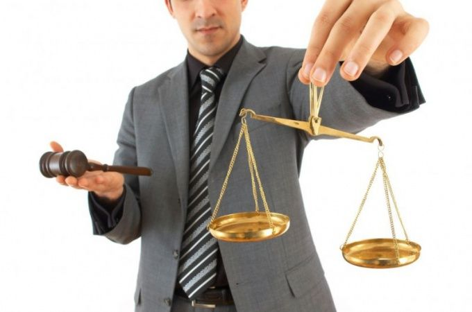 Выбирать адвоката необходимо тщательно