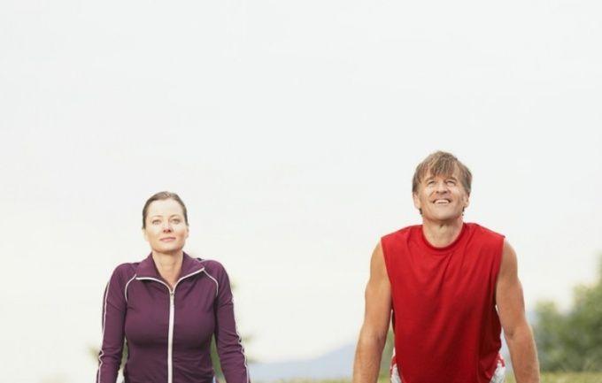 Укрепить кисти рук помогут силовые и статические упражнения.
