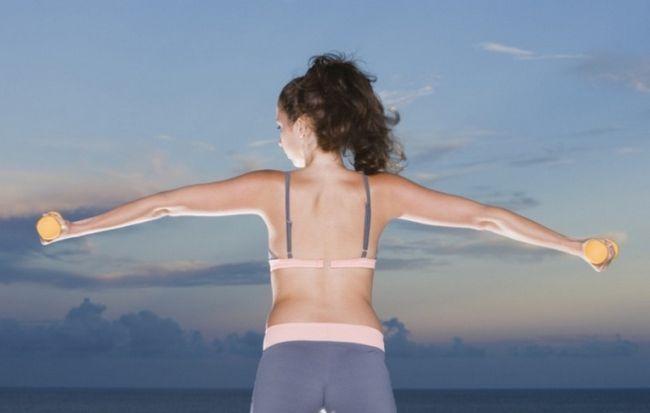 Как накачать руки и спину