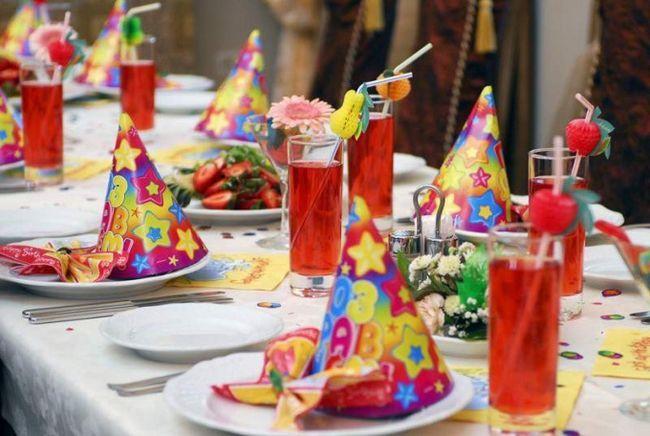 Оформление стола ко дню рождения