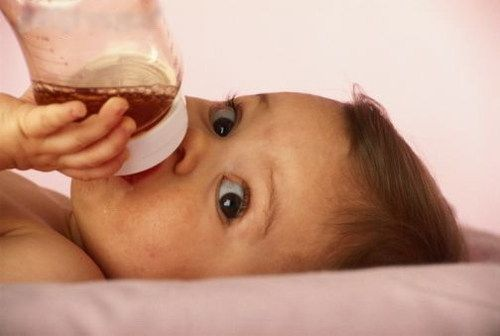 Как напоить ребенка