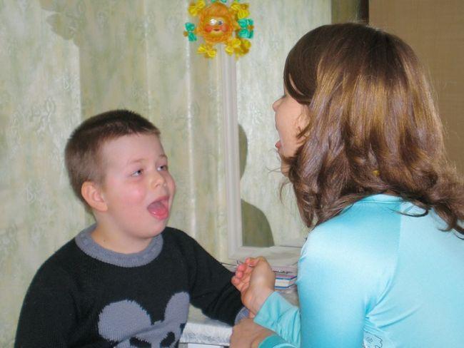 Как научить ребёнка выговаривать
