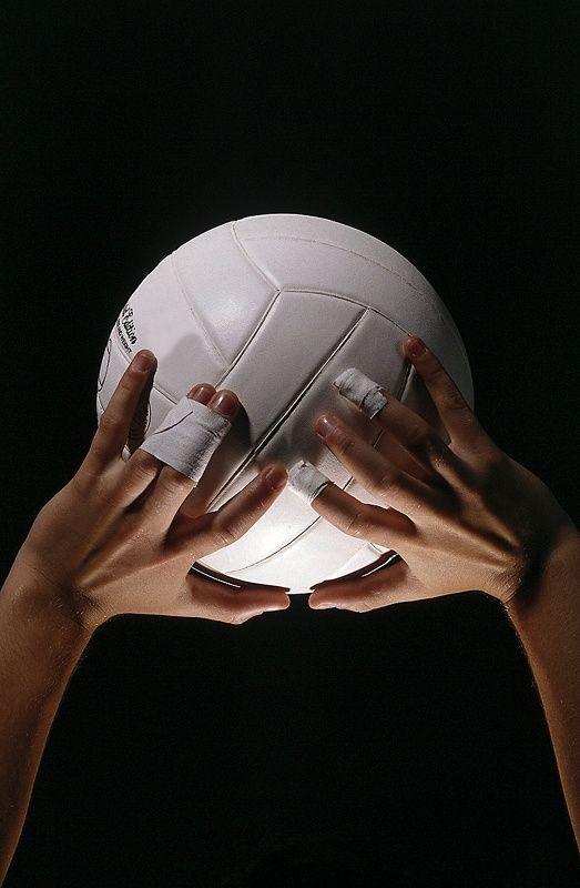 Как научиться играть в волейбол