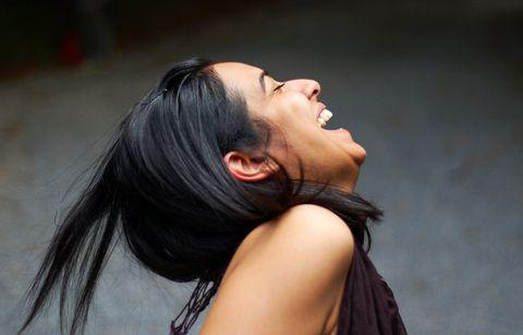 Как научиться смеяться над собой