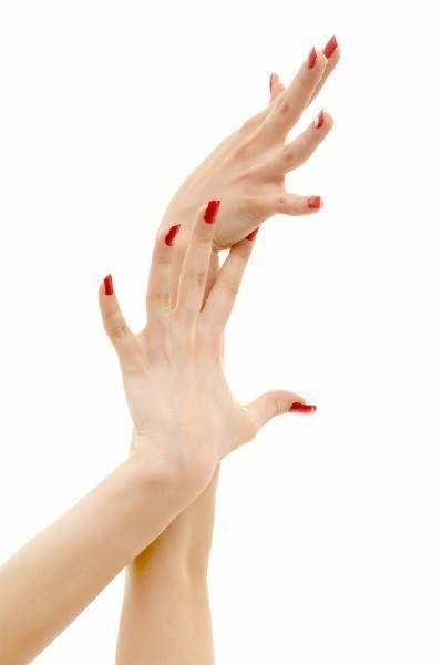 Как обесцветить волосы на руках