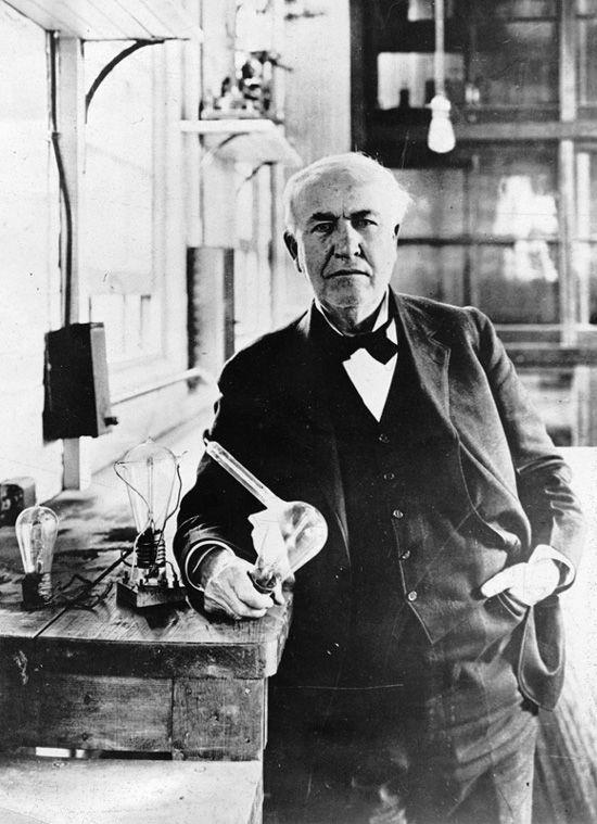 Томас Эдисон тоже получал патенты и стал всемирно известным изобретателем