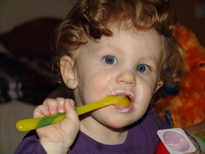 Как отучить ребенка есть по ночам