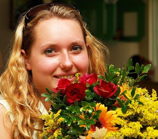 Как подарить цветы в другом городе