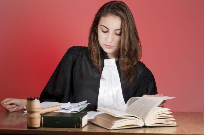 Как правильно написать заявление в суд