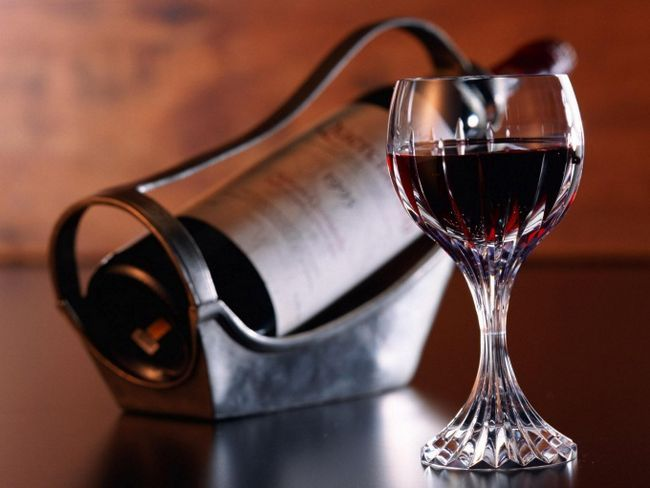 Как приготовить домашнее сухое вино из винограда