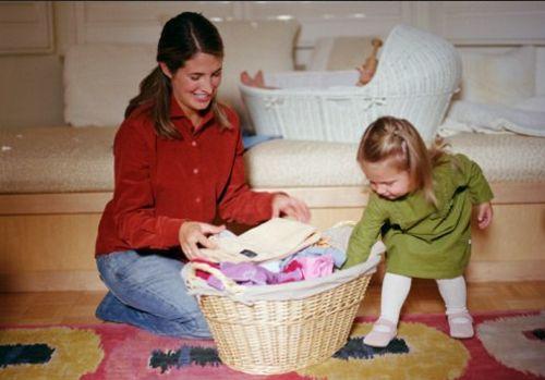 Как приучить малыша убирать на место игрушки