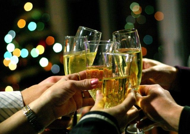 Как развлечь гостей в новогоднюю ночь