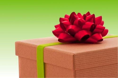 Как сделать бант на подарок