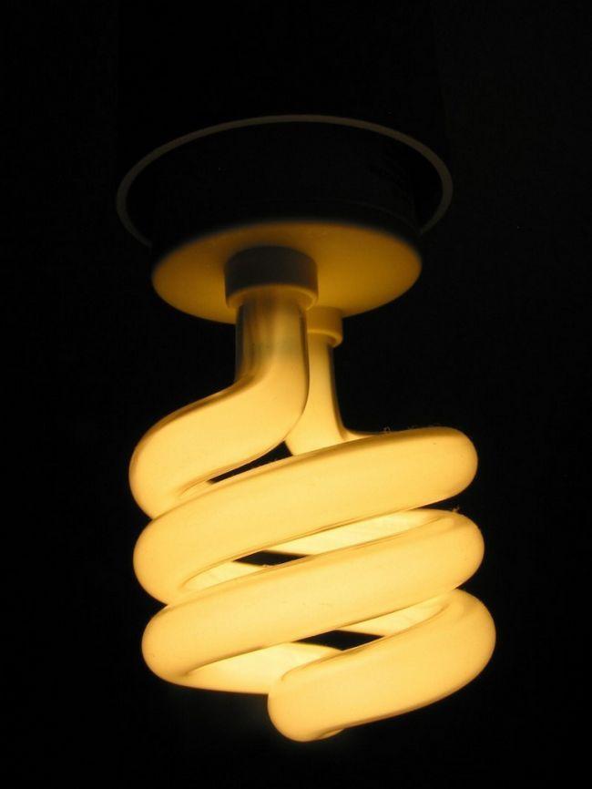 Как сделать энергосберегающую лампу
