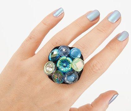 Как сделать перстень из пуговиц
