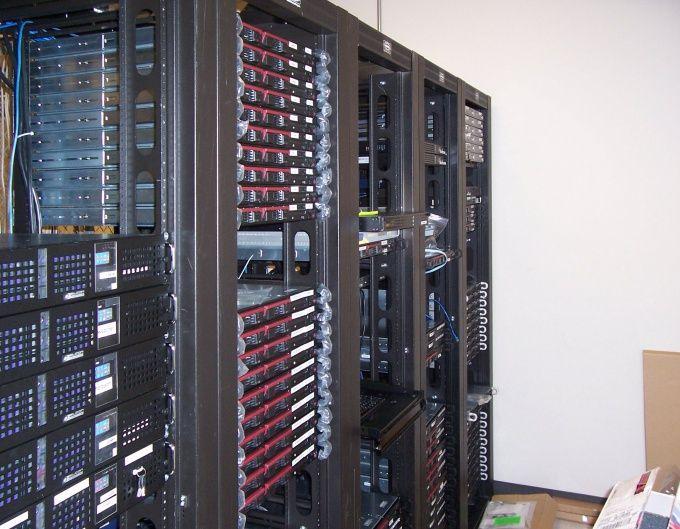 Как сделать так, чтобы сервер работал круглосуточно
