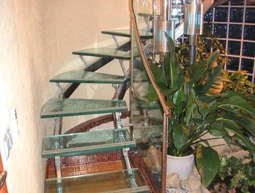 Как склеить стекло и металл