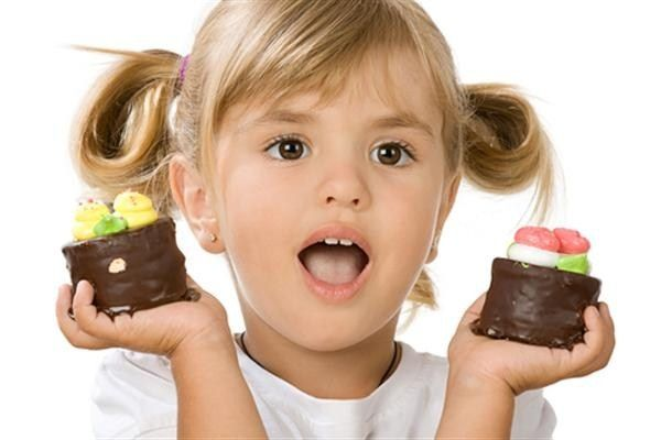 Как удалить пятна от шоколада