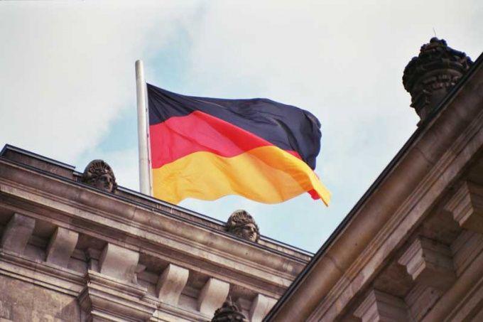 Как уехать жить в Германию