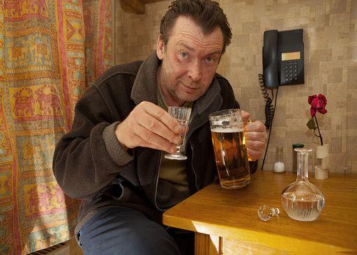 Как выселить алкоголика
