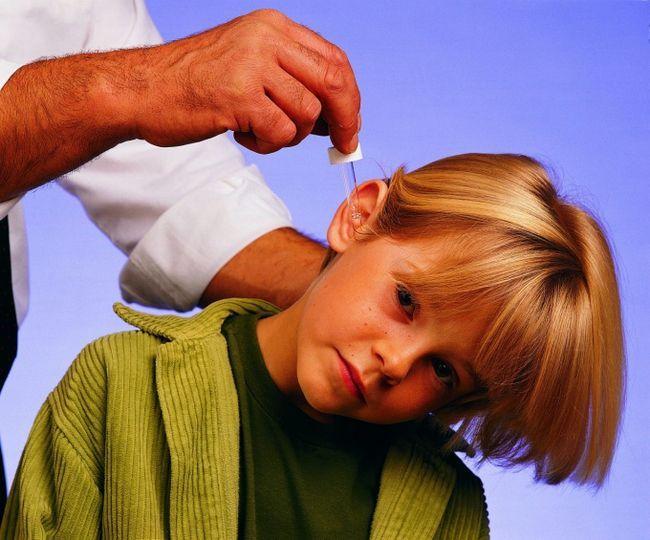 Как вытащить серную пробку из уха