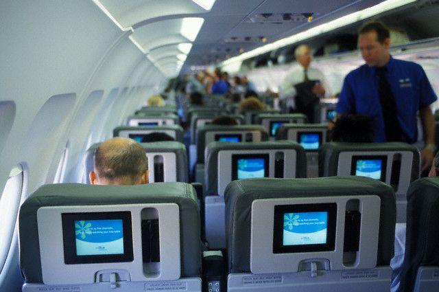 Чем далительнее перелет, тем тщательнее нужно подходить к выбору места в самолете
