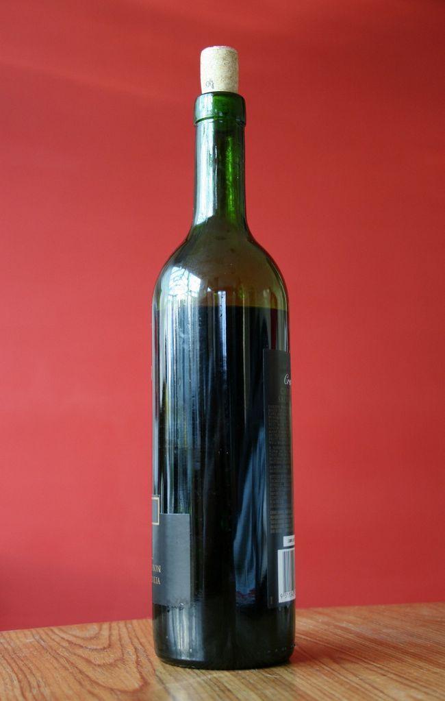 Как засунуть монету в бутылку
