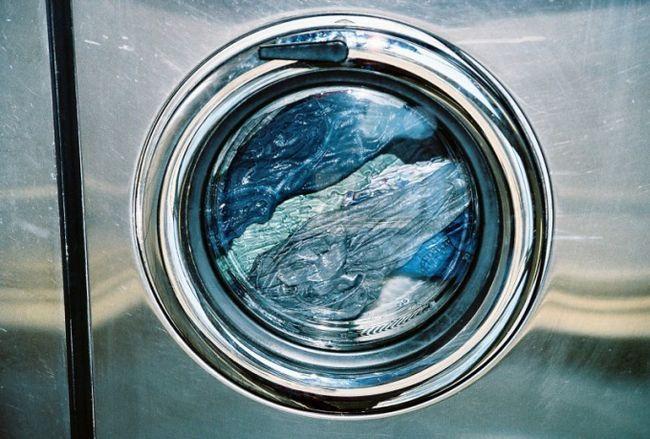 Как засыпать порошок в стиральную машину