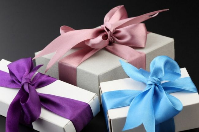 Какие подарки дарить и как их преподносить