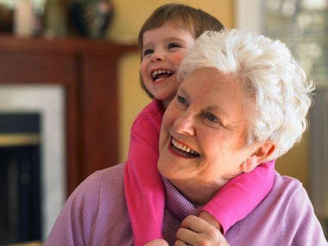 Почему бабушки не любят сидеть с внуками