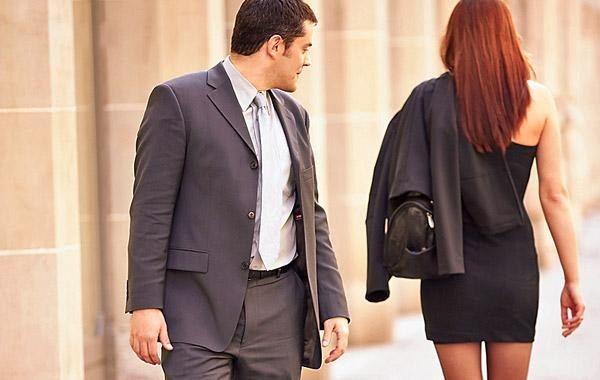 Почему женатый мужчина ходит налево