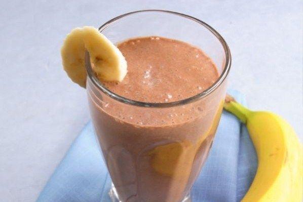 Шоколадный смузи с бананом