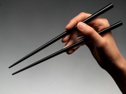Как научиться есть палочками