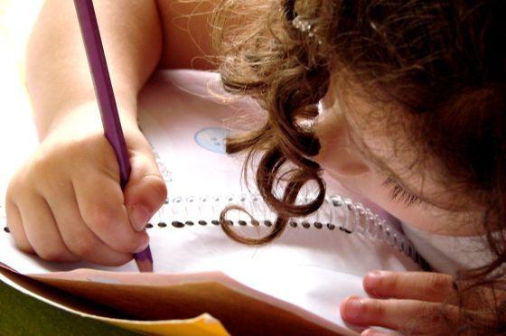 Как научить ребенка правильно писать