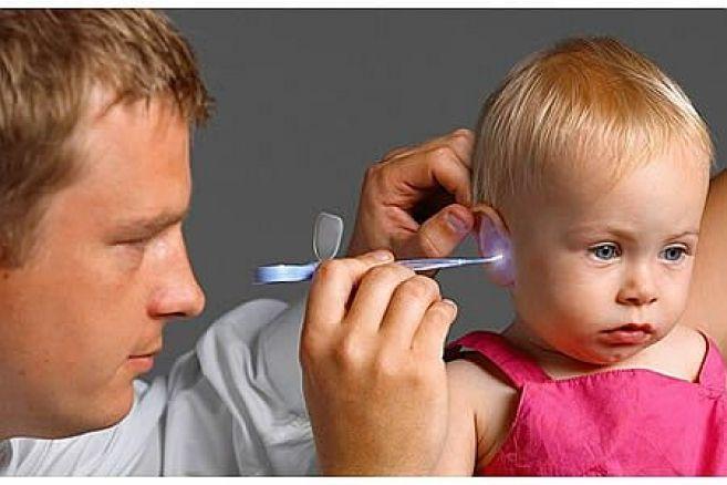Как чистить уши ребёнку