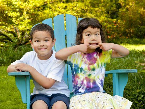 Как познакомить детей