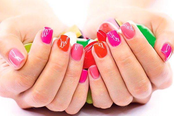 Как снять лак с ногтей