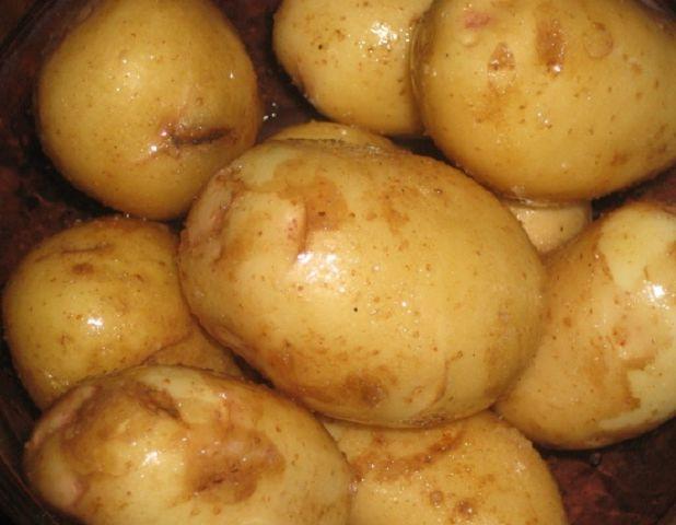 Как запечь в духовке картофель