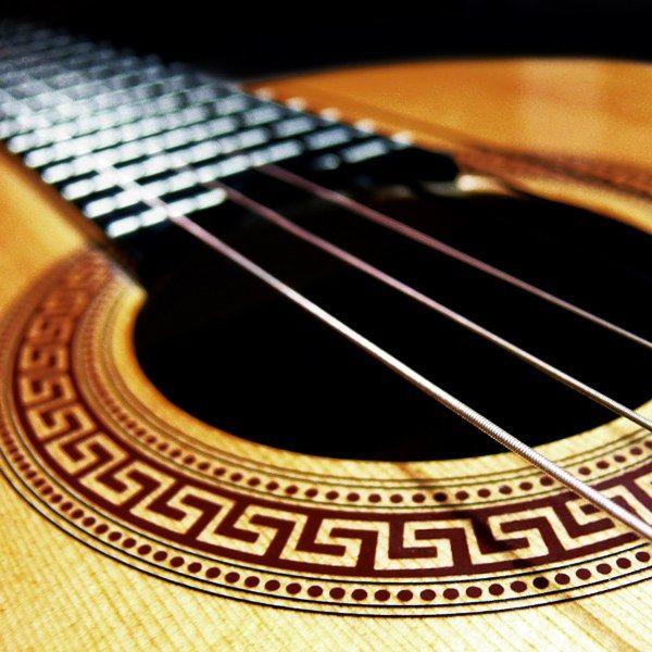 В чем различия между ритм-гитарой и соло-гитарой